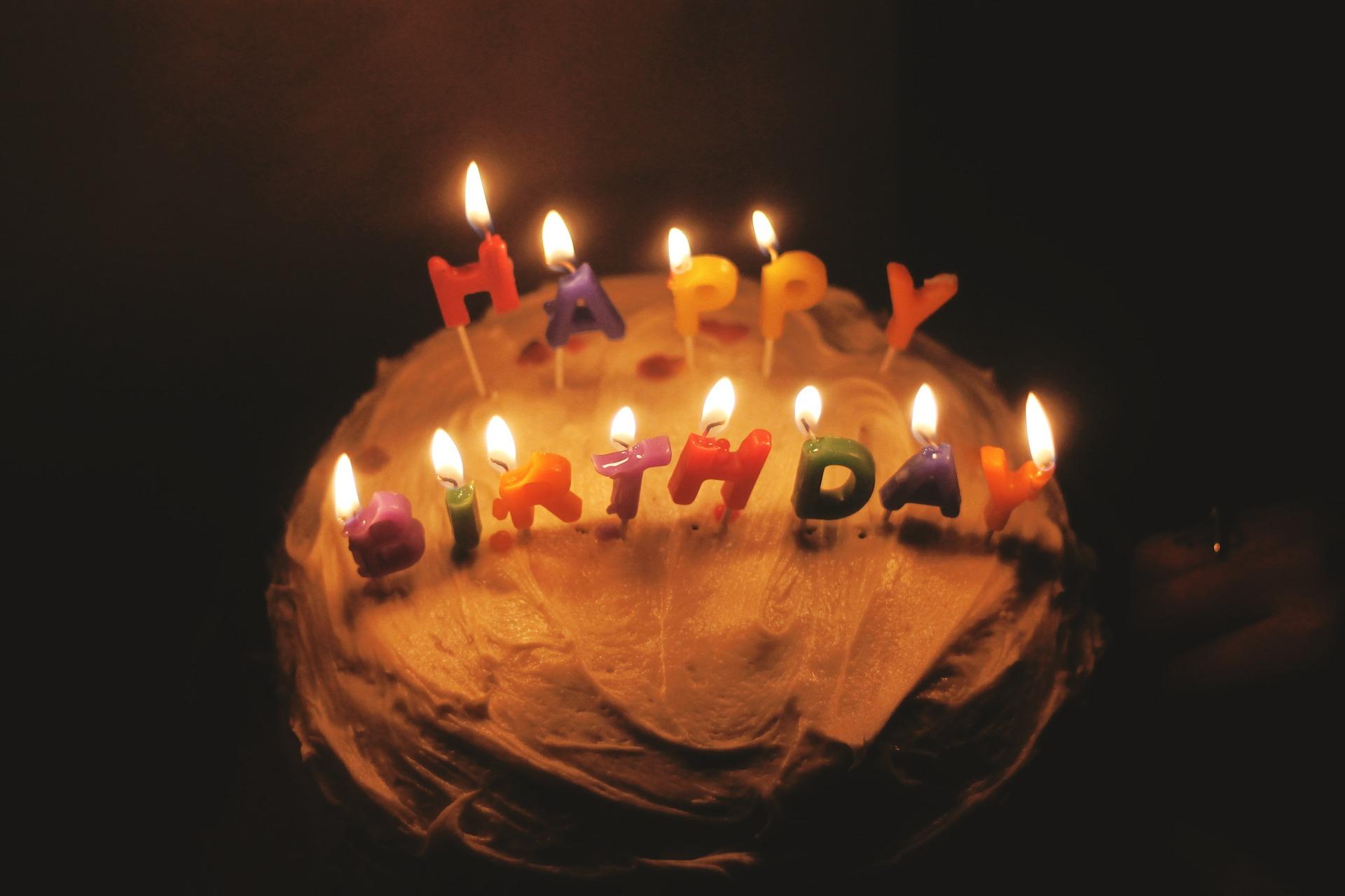 La Chanson Happy Birthday To You Souffle Sa Premiere Bougie De Liberation Jurizone